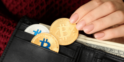 Crypto Wallet Connected to Silk Road Transfers Almost $1Billion Worth of Bitcoins